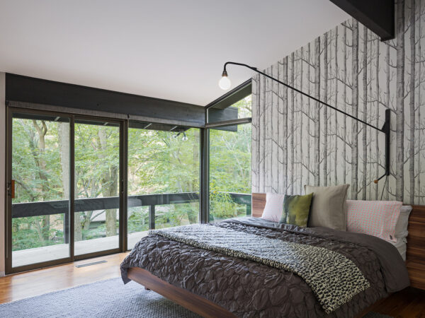 Cole & Son - Woods Wallpaper - bedroom